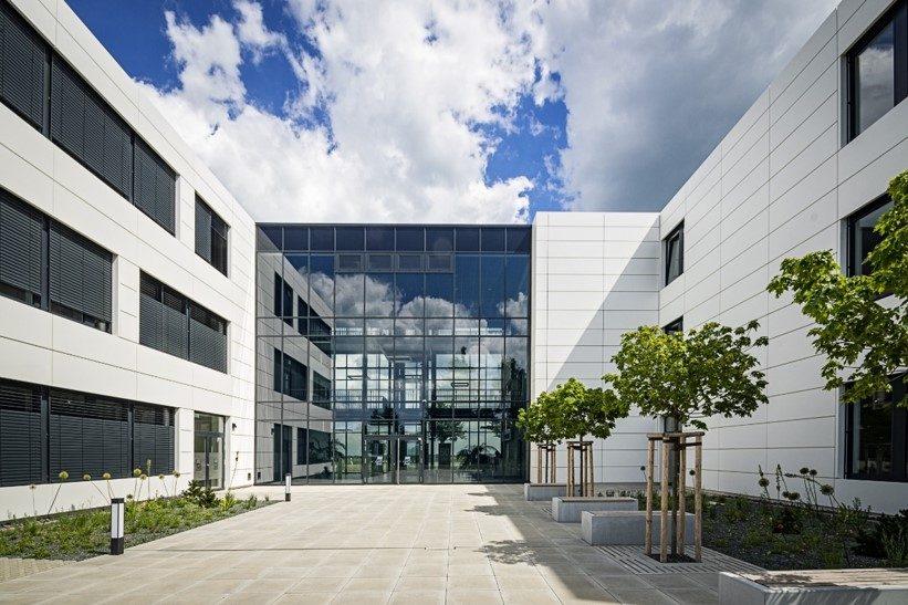 Investor für einen führenden Anbieter von stufenlos dimmbarer Gebäudeverglasung gesucht
